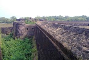 Fort Aguada, Goa, India. Author Abhijit Nandi. Licensed under the Creative Commons Attribution-Share Alike