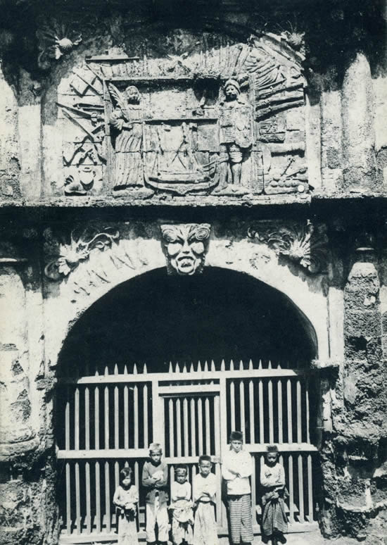Old picture of the Fort Gate of Malacca. No Copyright