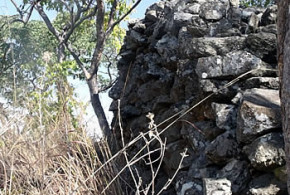 Ruanga Ruins. Ruanga, Zimbabwe. Photo © by Chris Dunbar