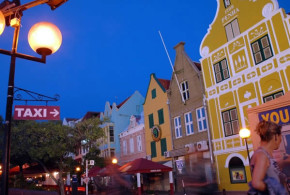 Willemstad, Curacao, Netherlands Antilles. Author Chika Watanabe. Licensed under Creative Commons Attribution