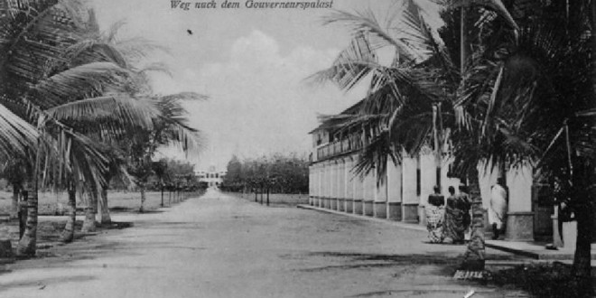 Lomé (1904), the way to the Governor's Palace. No Copyright
