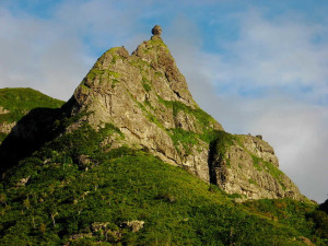 Pieter Both mountain, Mauritius. Author Avinash Meetoo. Licensed under the Creative Commons Attribution-Share Alike