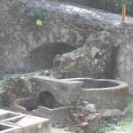 Il pozzo all'inizio del sentiero per la fortezza. Fortaleza de Nossa Senhora dos Remédios, Fernando de Noronha, Brasile. Author and Copyright Marco Ramerini