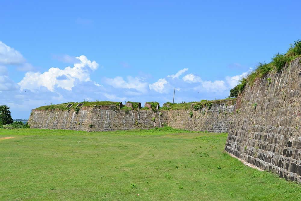 Fort Fredrick, Trincomalee, Sri Lanka. Autor Bel Adone. No Copyright