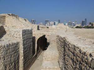 Fort Qal'at al-Bahrain, Bahrain. Author and Copyright João Sarmento