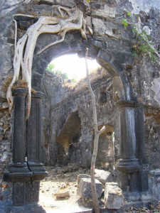 Korlai Fort (Morro de Chaul), India. Author Darima. Licensed under the Creative Commons Attribution.