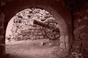 Portuguese Fort, Hormuz, Iran. Author Hamed Saber. Licensed under the Creative Commons Attribution.