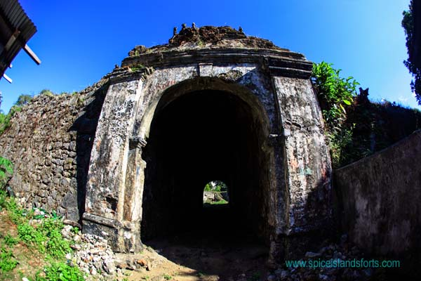 Fort Revenge, Ai, Indonesia. Author and Copyright Simon Pratt