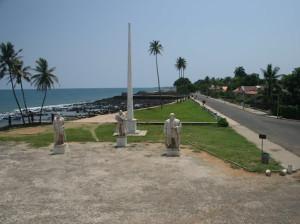 Statues outside Fort São Sebastião, São Tomé. Author and Copyright João Sarmento