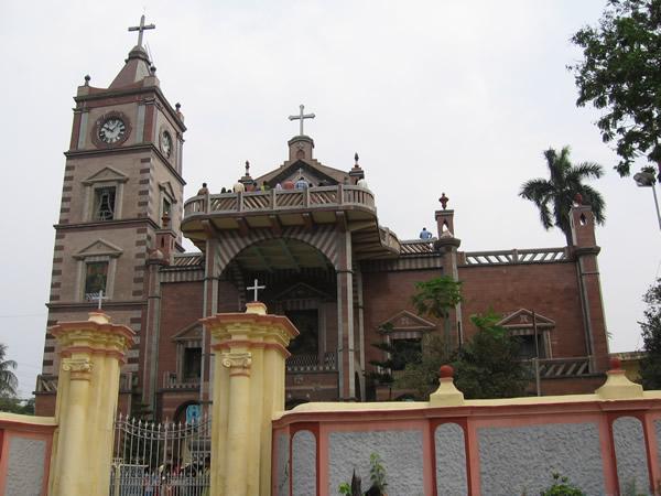 The Basilica of the Holy Rosary, Bandel, Hughli. Copyright Stefan Halikowski Smith