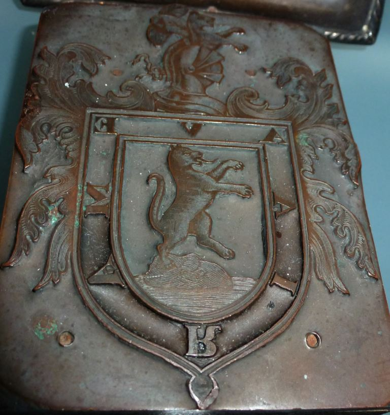 Heraldic Coat of Arms encased in wood that belonged to Pedro Pizarro